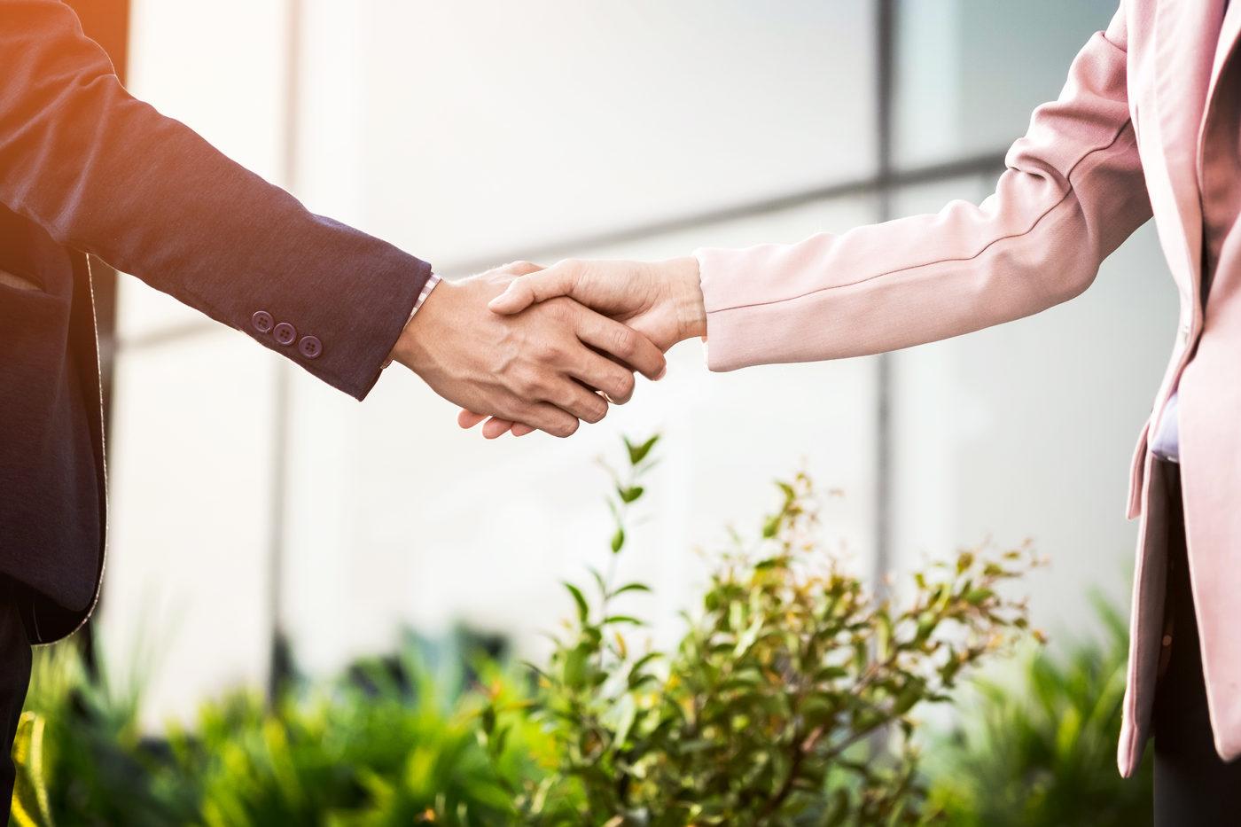 картинка делового человека с рукопожатием