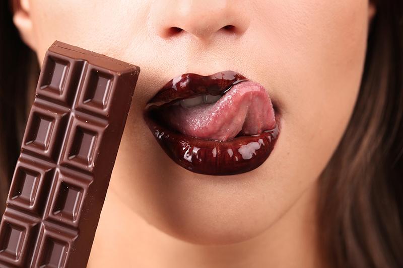 Всю во шоколадка порится