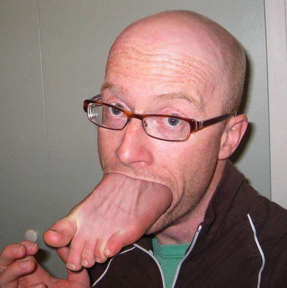Ноги во рту мужик, порно жесткий групповухи