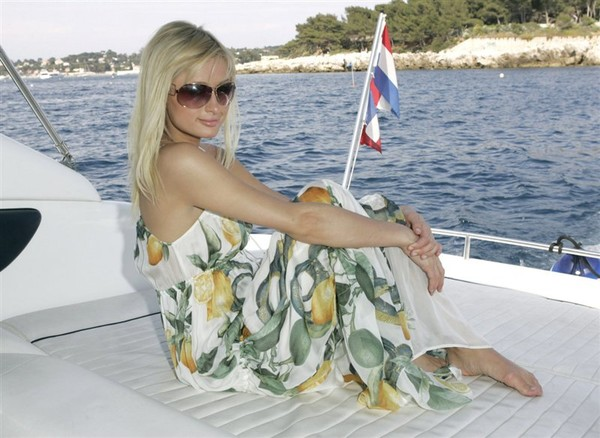 блондинки в сарафанах фото