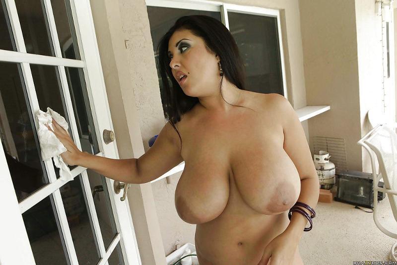 большие груди соседки фото - 5