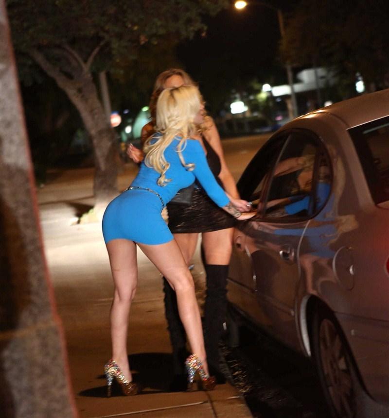 Снимает русскую проститутку, дрочка члена смотреть видео