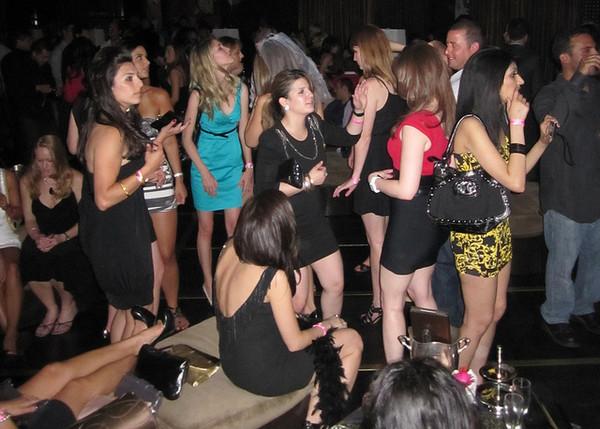 Видео снятое в клубах секс хотел