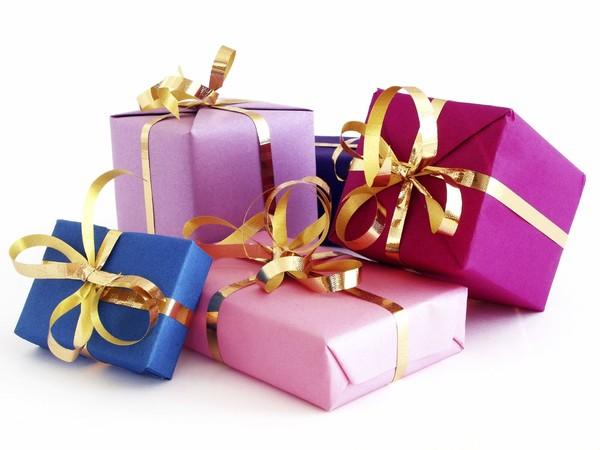 Поздравления к подаркам стихи к подаркам