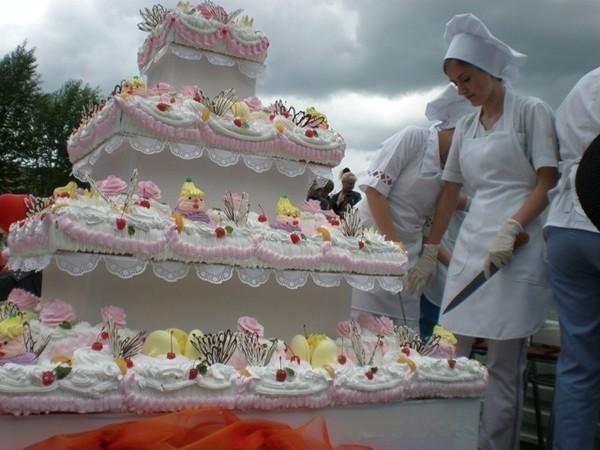 фото большого торта