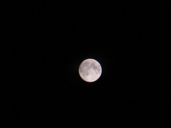 как сфотографировать луну в темноте конечно, такой