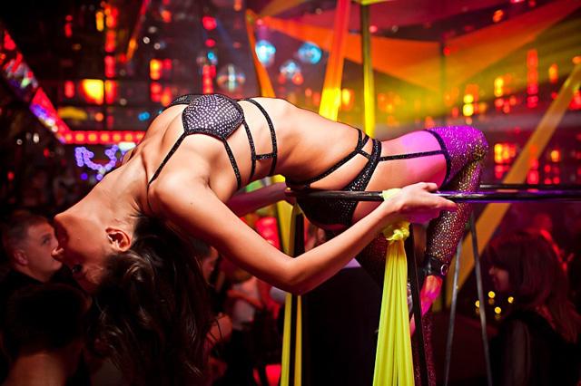porno-yuliya-foto-intim-klubnie-tantsovshitsi-gryaznoy