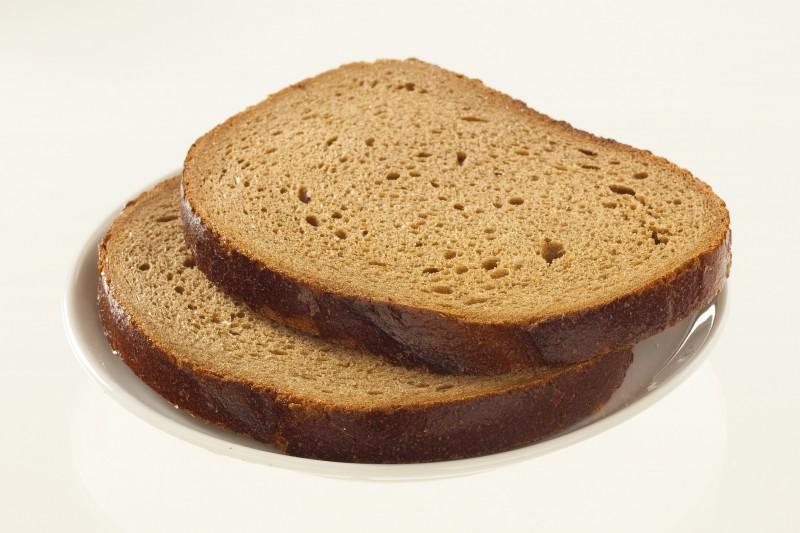 Кусок черного хлеба картинка