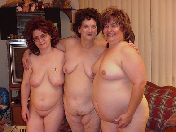 Групповое фото голых бабушек