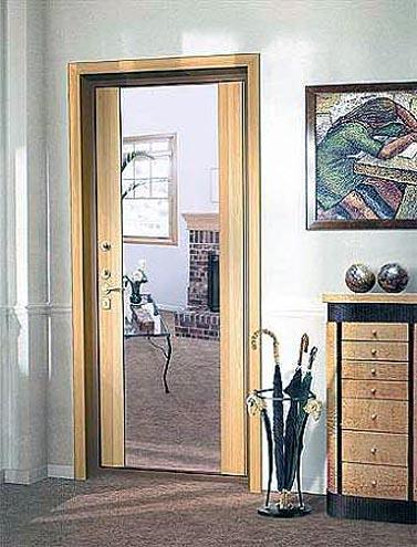 цена на входную дверь с зеркальными