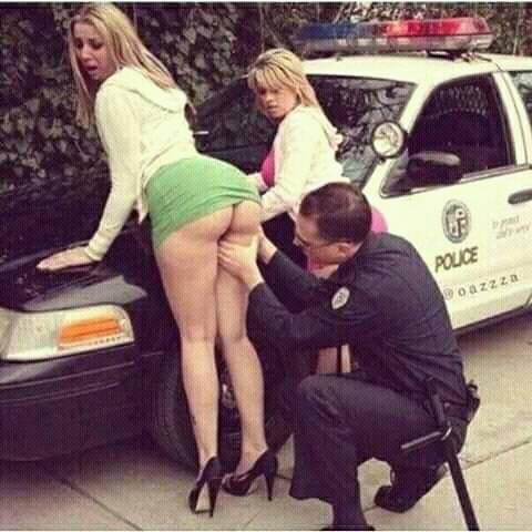 Поймал праститутку мент