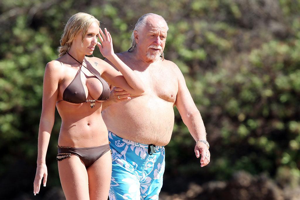Толстый мужик с девкой — img 11