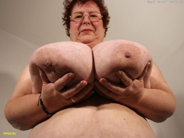 Груди бабушек огромные
