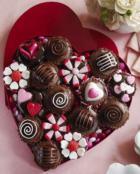 Картинки девушками, открытки сладкие конфеты