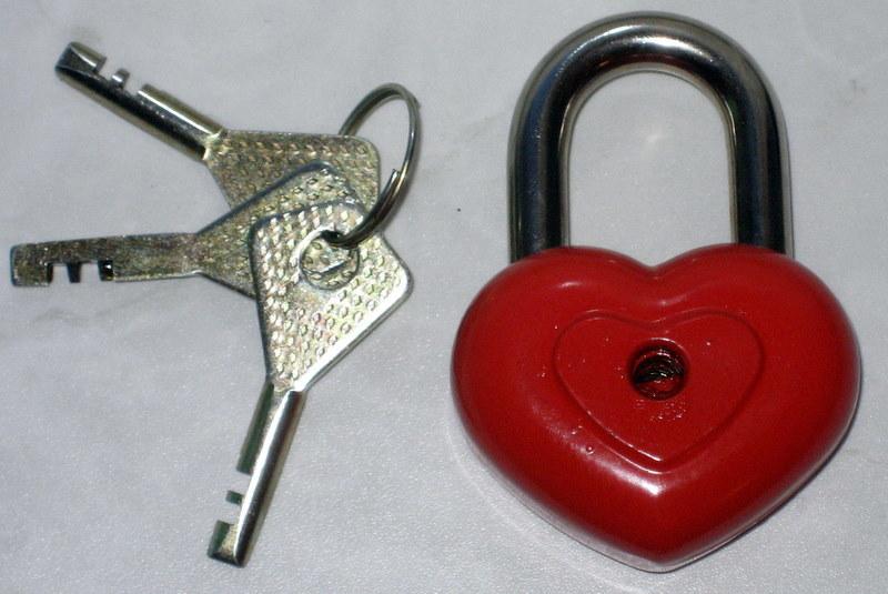 Три ключа на три желания 4e9ff0c84d505cbb79586c493d25132e_h-308