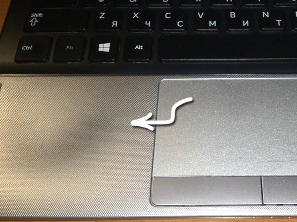 Как оттереть пятна с экрана ноутбука фото