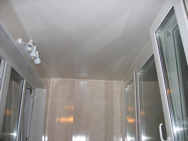 Ответы@mail.ru: на лоджии потолок чем лучше зашить?.