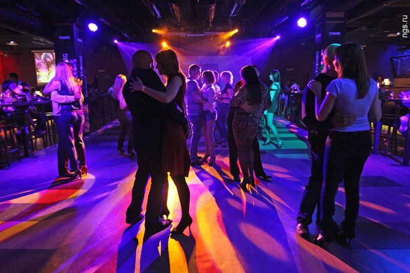 вам поведаю фото медленного танца в клубах александра действительно