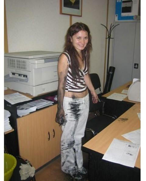 Девушка на работе на майл модели на веб камеру