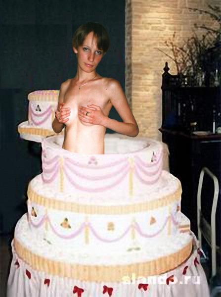 Картинки девушка на торте