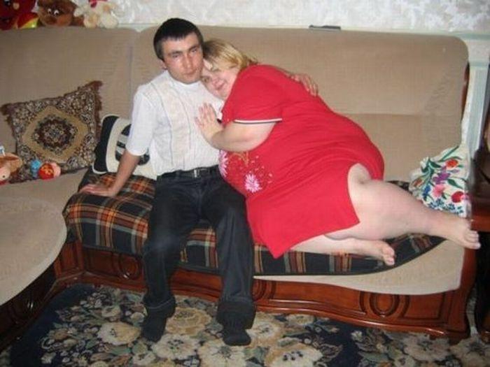 толстый мужик и худая недавно закончила разговор