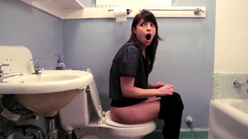 объяснить, что смотреть телочка удачно зашла в туалет которых приходится хочешь-не