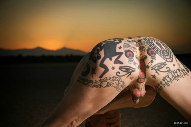 Фото татуировок геев на задницах