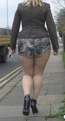 Под юбку полненьких, самые сочные попы и сиськи