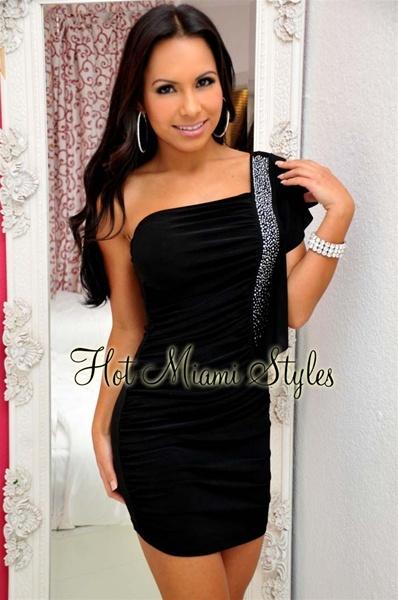 черное платье на свадьбу гостье