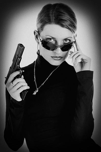 Картинки леди с пистолетом