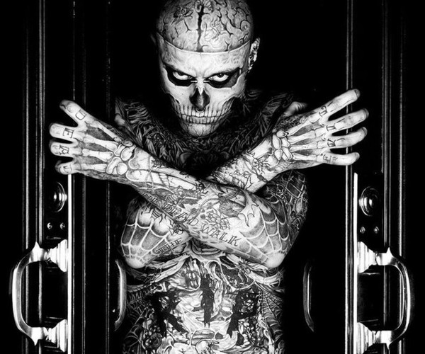 Человек у которого все тело в тату фото