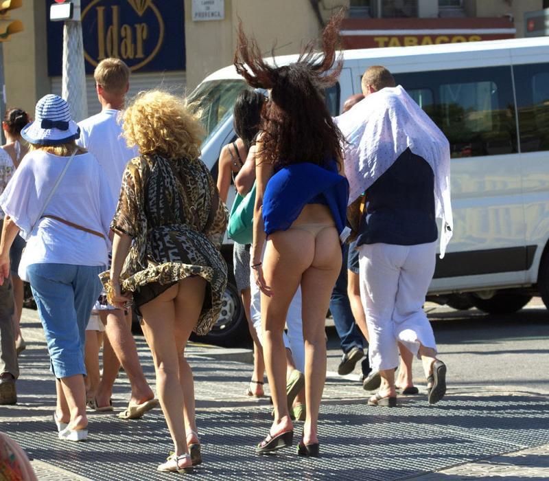 Ветер под женскими юбками