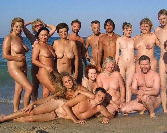 Клип голых женщин и одного голого мужчину — 11