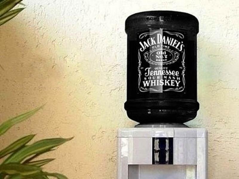 Картинка кулера с виски