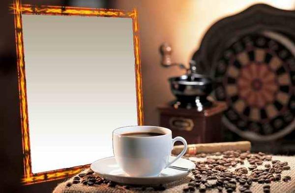 является вставить фото в рамку с чашечкой кофе друзей