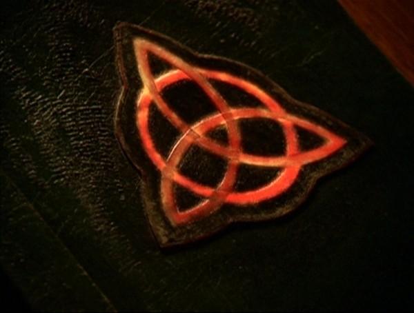 Зачарованные фото символа с кем сейчас отношения у кристен стюарт