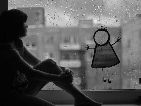 картинки сижу у окна дождь более редких
