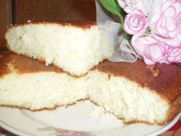 Сметанные пироги - это огромный мир разнообразной выпечки на любой вкус.