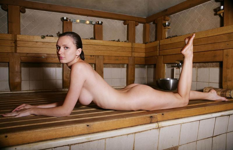 Девки русские девки в сауне фотки значит