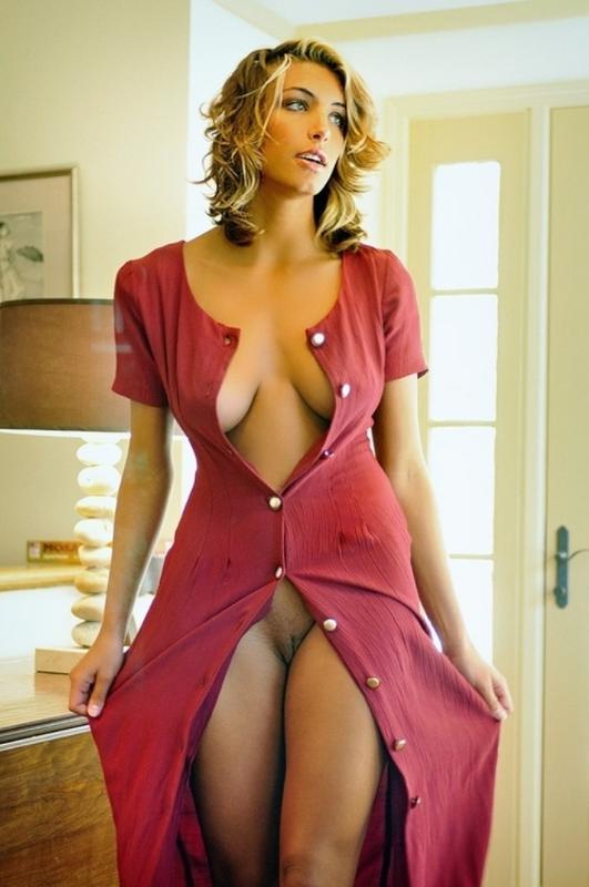 Фото дрочка в халате стимулировать женские соски