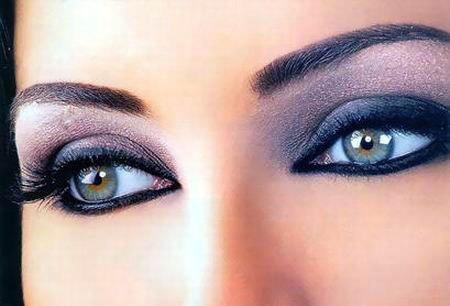Цвет глаз меняется от настроения почему