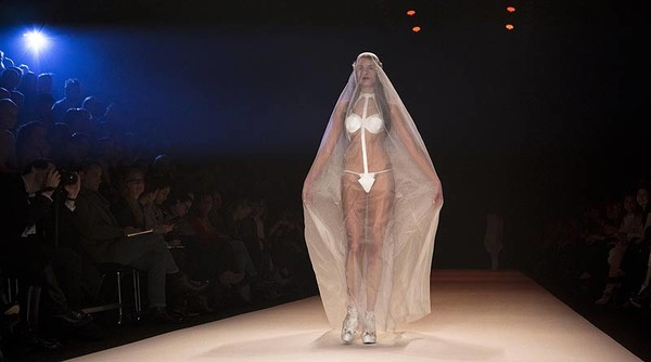 свадьба в трусиках девушки-сх2
