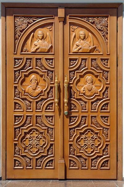 нестандартные металлических дверей для храмов