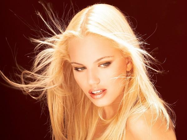 самая красивая блондинка