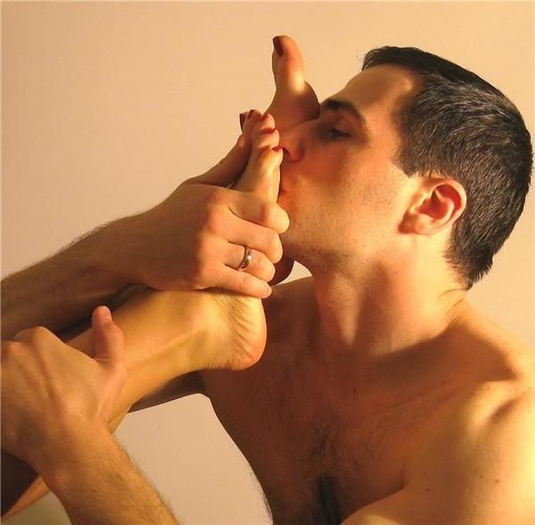 целуй ноги фото убиении