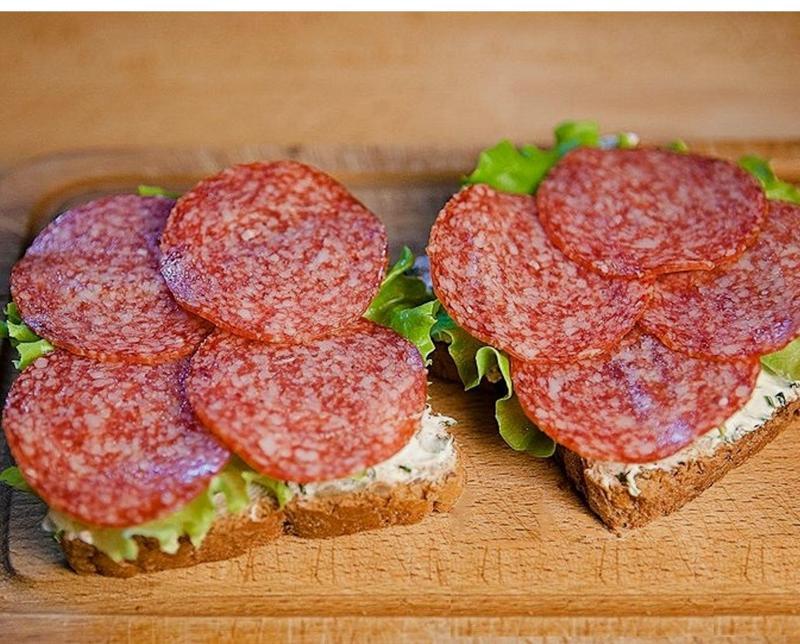 Картинки бутерброды с колбасой и сыром