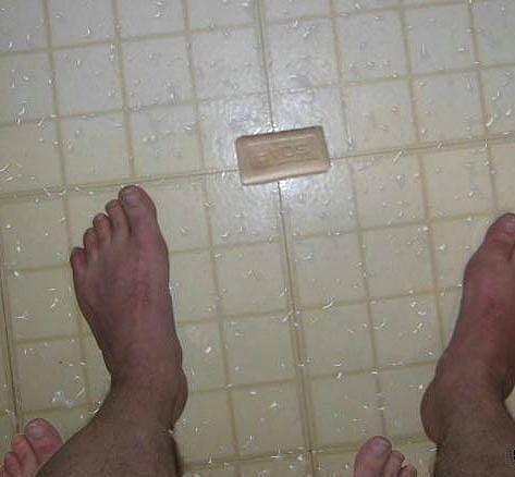 сделает уронил мыло на зоне картинка том, как