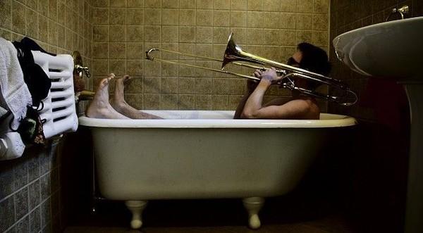 муж пришел а она в ванной