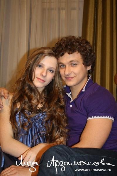 Ответы@Mail.Ru: Лиза Арзамасова и Филипп Бледный встречаются?