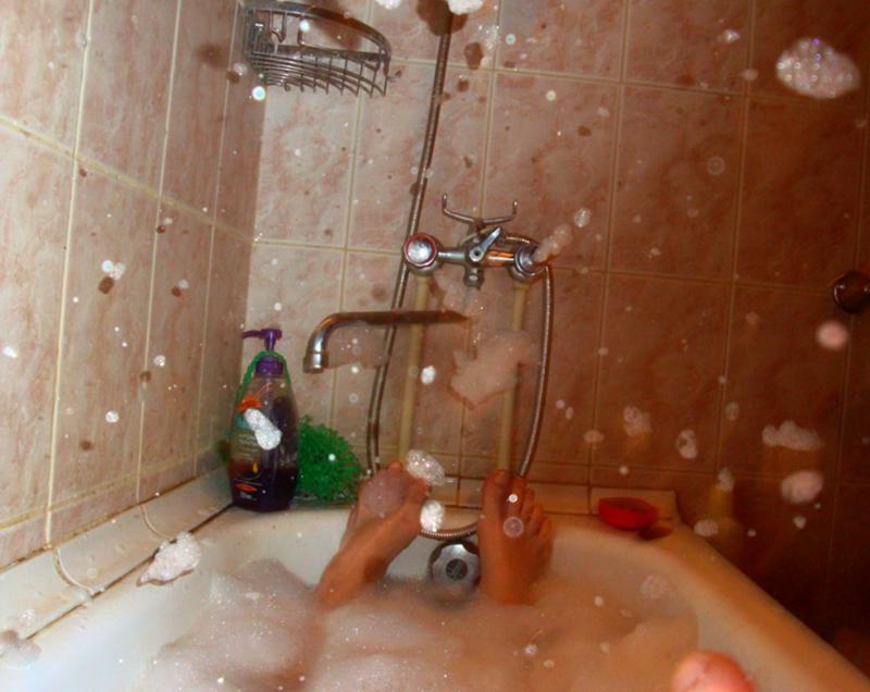парни в ванной фото